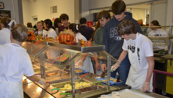 More than 16 members of the student council volunteered to serve the traditional Thanksgiving lunch on Nov. 22.