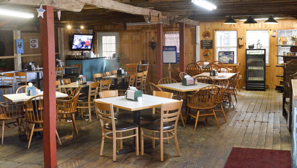 The layout of The Farm House Café's dinning room. (Photo by Anthony Richards / Advertiser)