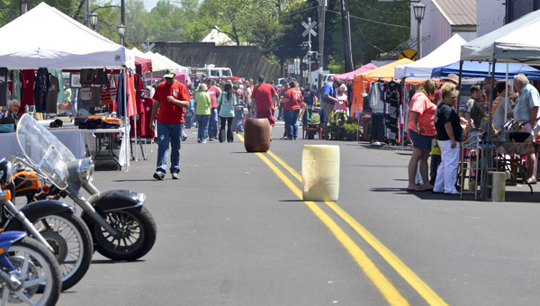 Main Street was swarmed with people and vendors during last year's Heritage Day Festival in Maplesville. (File Photo)