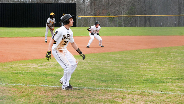 Tyler Durham, Jacob Davis and the rest of the Isabella baseball team looked to force the issue on the base paths against Ellwood Christian on Thursday. (Photo by Anthony Richards / Advertiser)