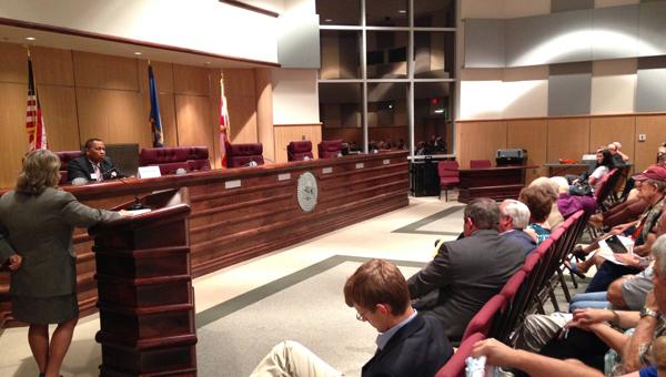 Political forum: Clanton City Councilman Greg DeJarnett (right) speaks during a municipal election forum on Thursday. District Judge Rhonda Hardesty moderated the forum. (Photo by Stephen Dawkins)